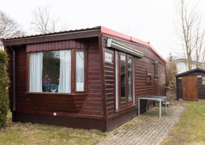 standaard_chalet_verhuur_camping_rijsterbos_vooraanzicht