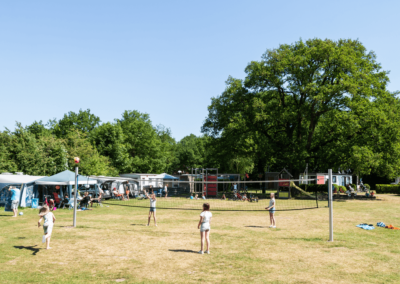 volleybalveld_op_de_camping